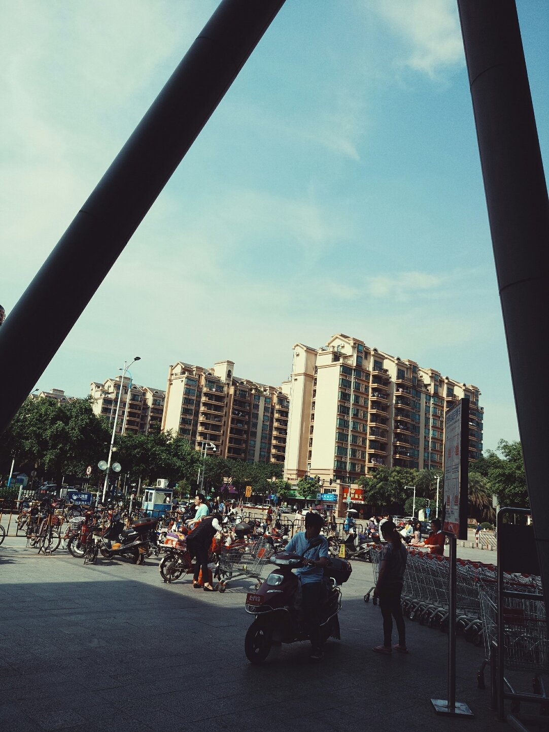 广东省广州市花都区凤凰北路靠近中国农业银行(广州花都龙珠路支行)