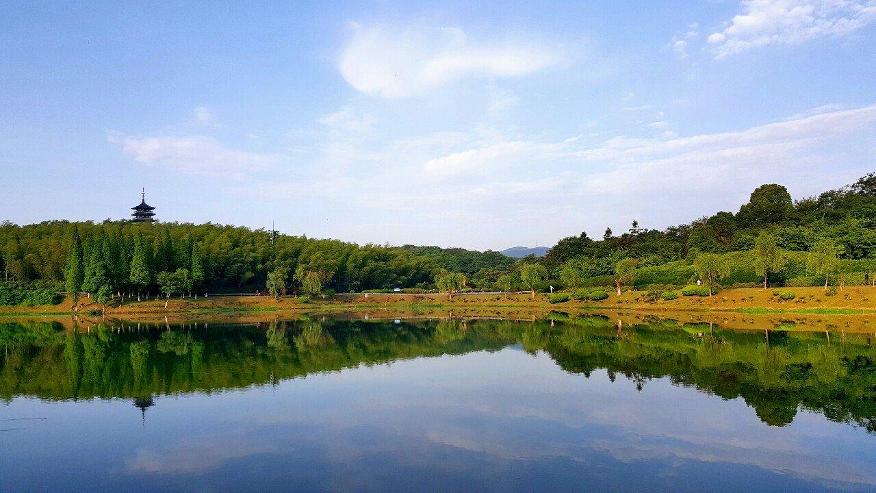 江苏省无锡市宜兴市龙背山森林公园情趣丰满翘臀图片