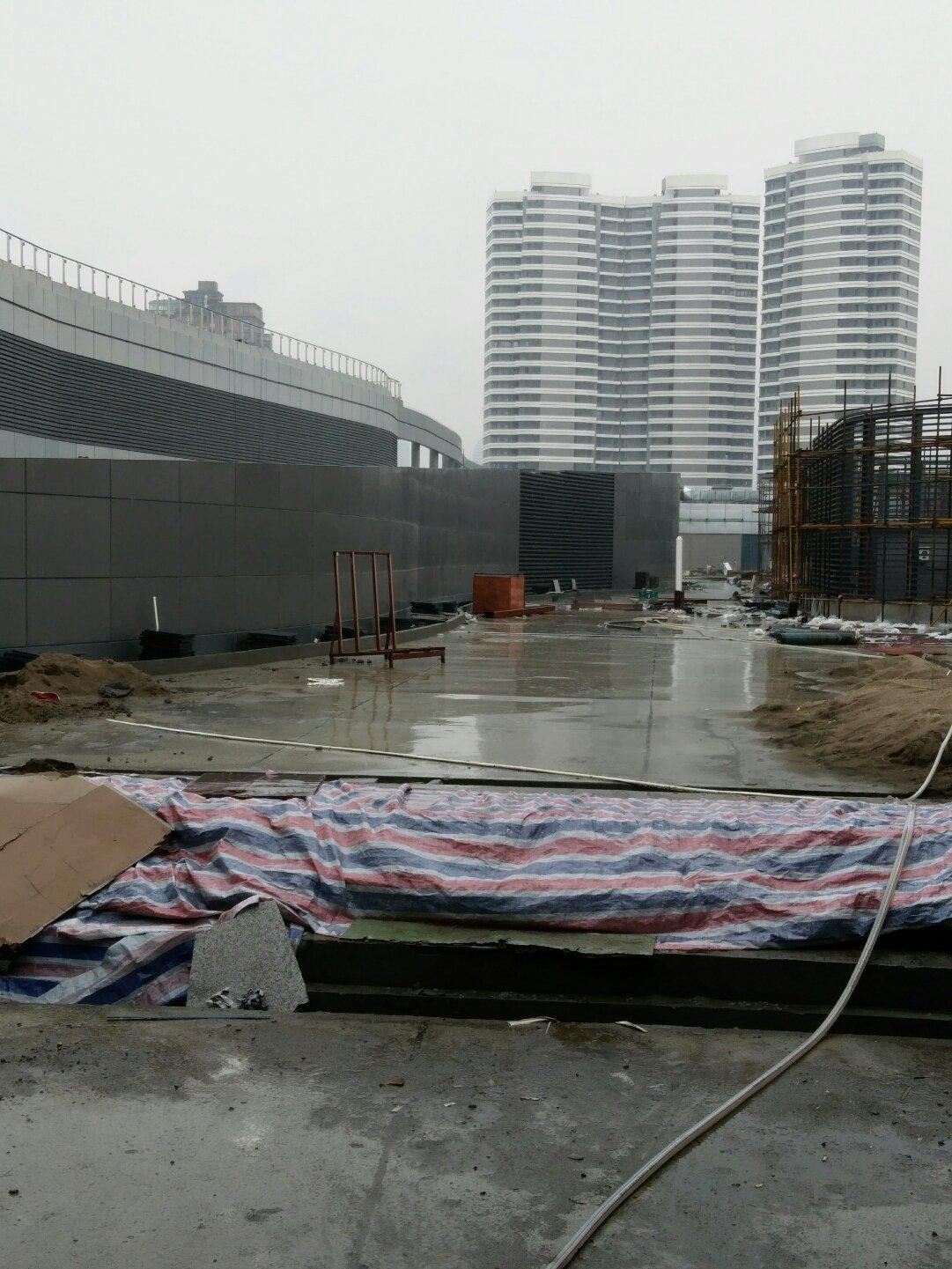 江苏省南通市崇川区市民服务中心配套西侧支路靠近中国建设银行(新城