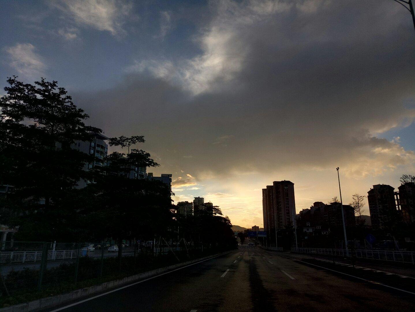 廣東省深圳市龍崗區紅棉路靠近卓然居天氣預報