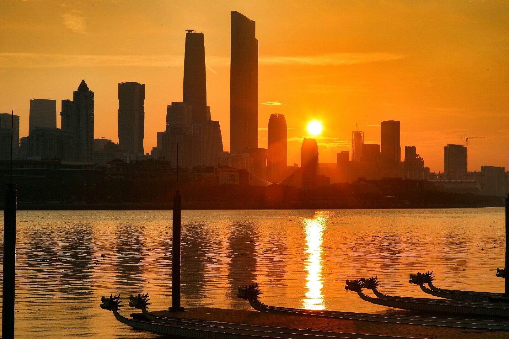 广东省广州市海珠区滨江东路靠近中国工商银行(广州金雅苑支行)天气