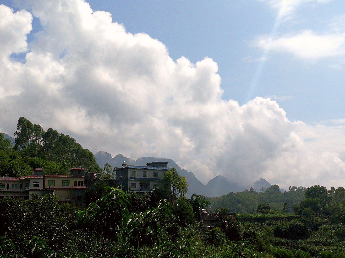贵州省黔西南布依族苗族自治州兴义市泥凼镇上五台天气预报