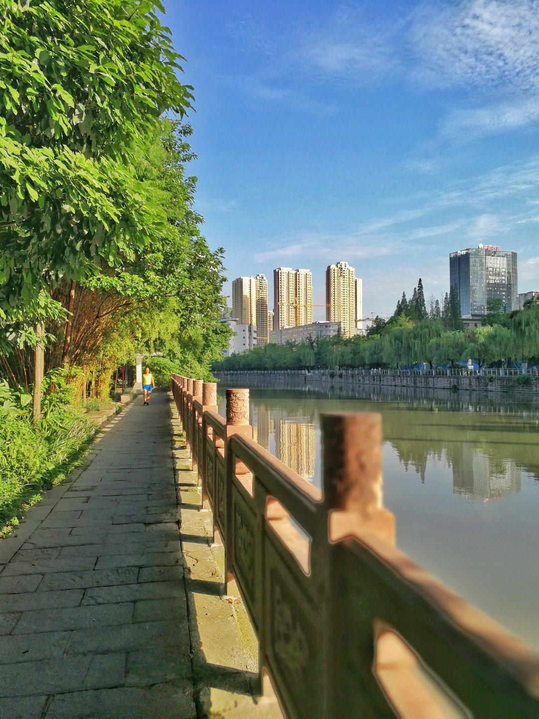 四川省成都市成华区猛追湾街道游乐园滨河路活水公园天气预报