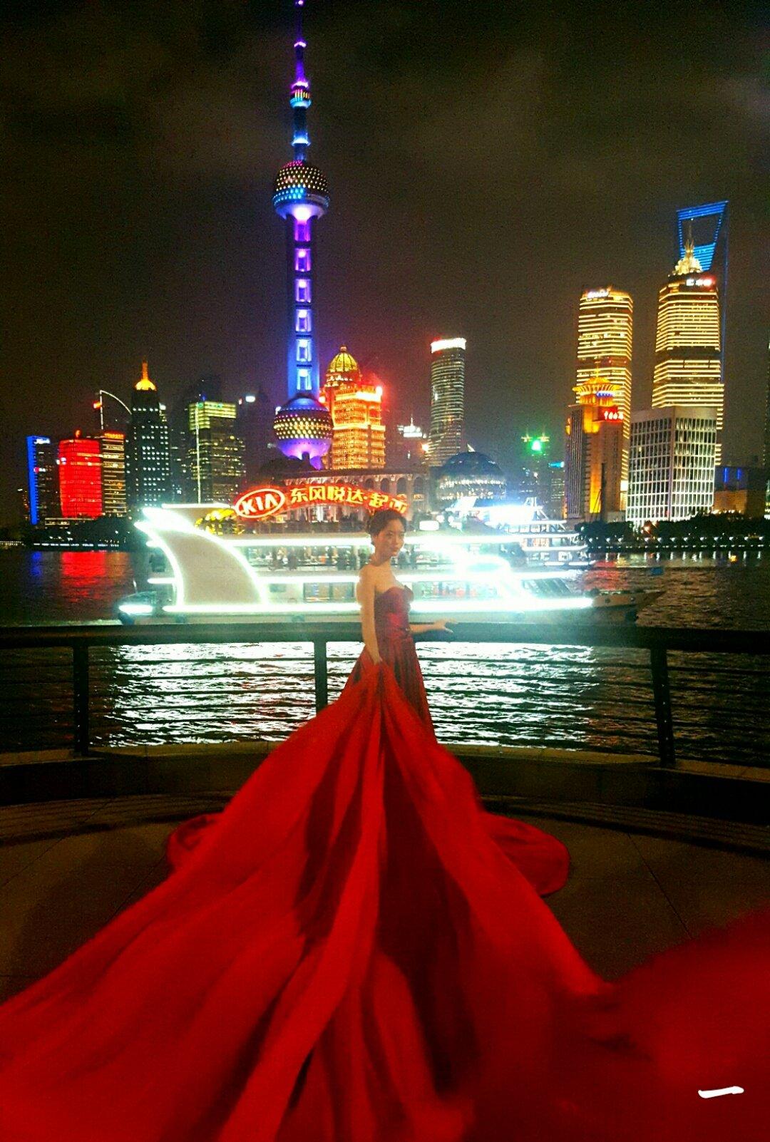 上海拍婚纱照_上海市外滩婚纱照.