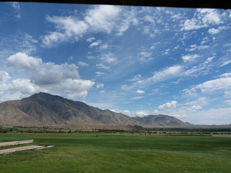 新疆维吾尔自治区巴音郭楞蒙古自治州和硕县325省道靠近乌什塔拉客运站天气预报