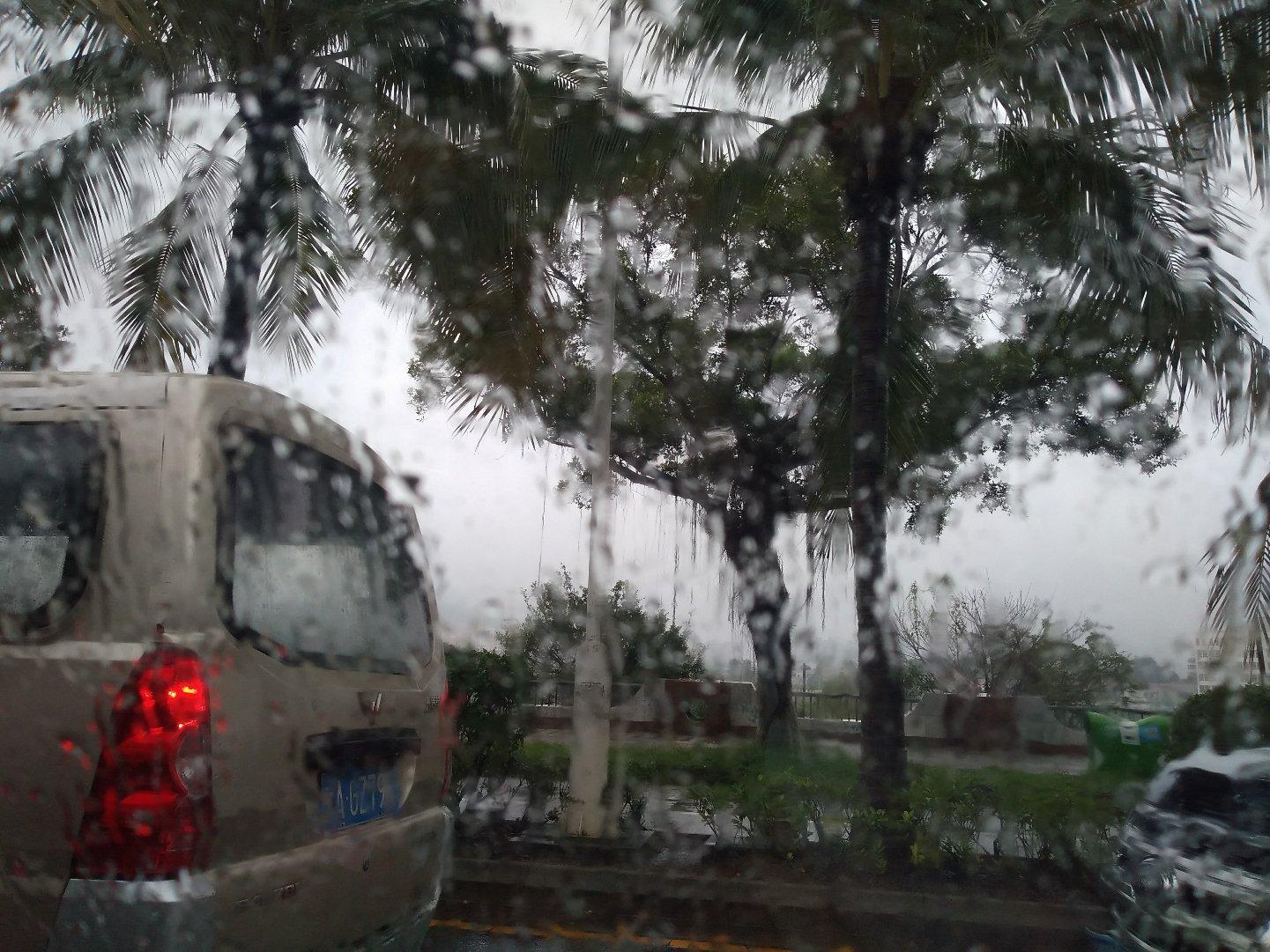 海南省海口市琼山区红城湖路靠近三厨大厦天气预报