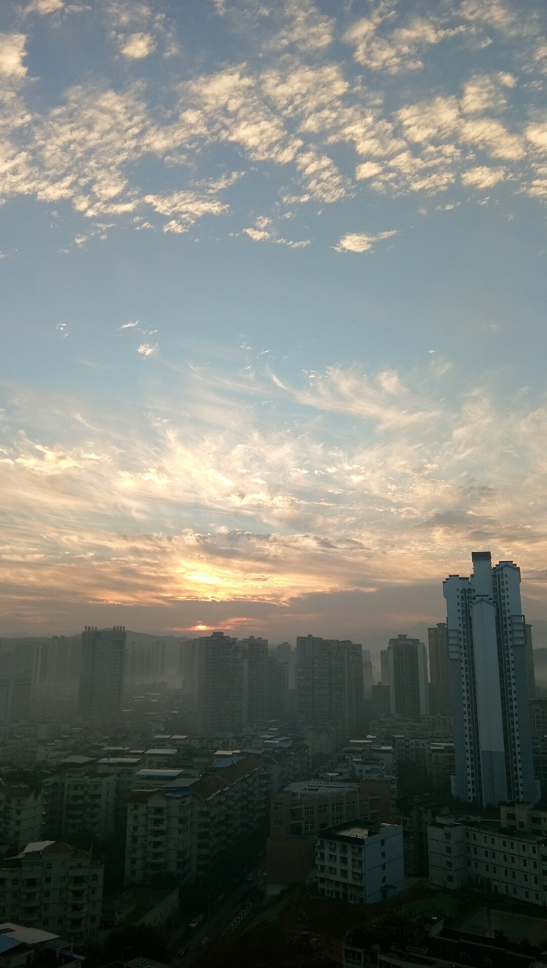 重庆市合川区南津街街道上什字东路223号弘运花园天气预报