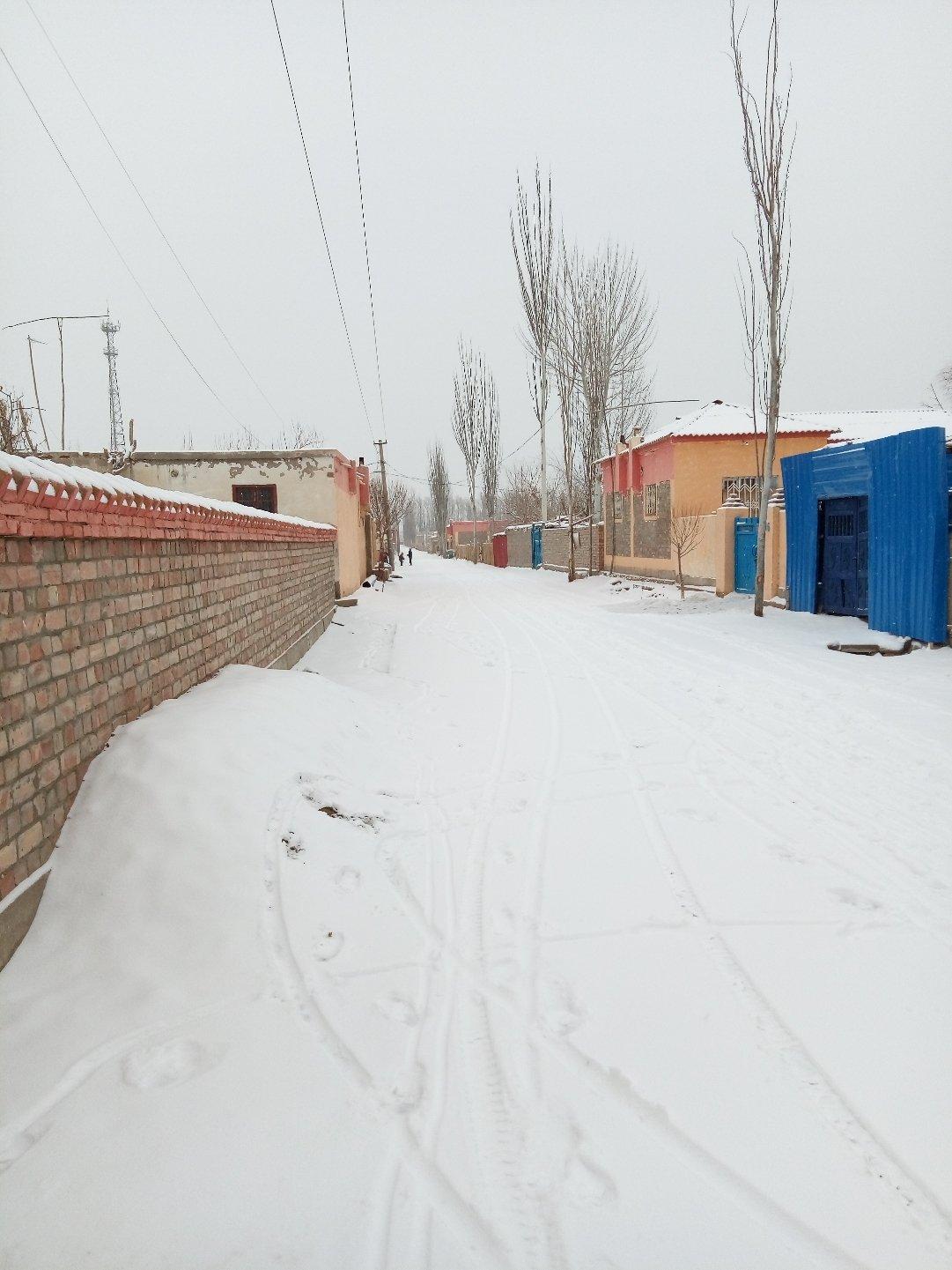 新疆维吾尔自治区和田地区策勒县达玛沟乡普那克村天气预报