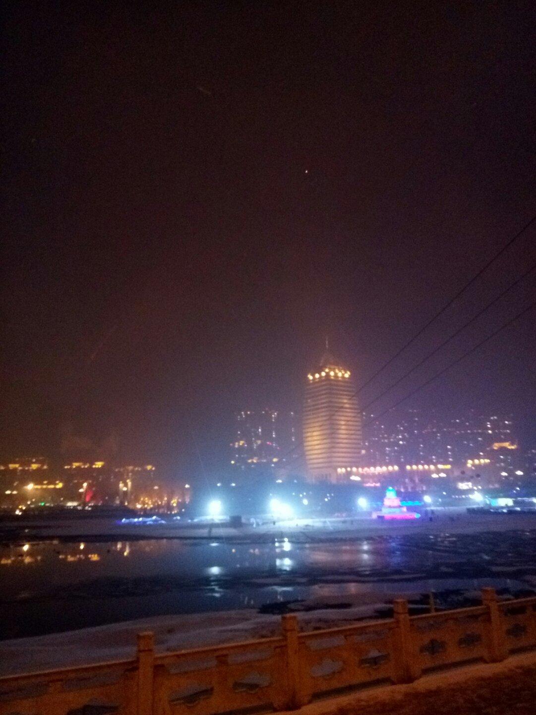 辽宁省本溪市明山区太子河旁人行道天气预报