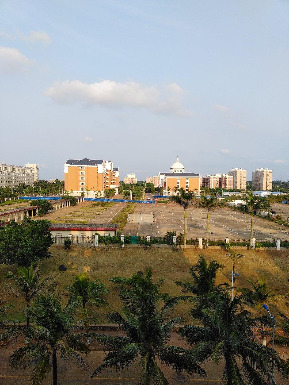 海南省海口市美兰区灵桂大道141靠近海南现代工贸职业学校天气预报